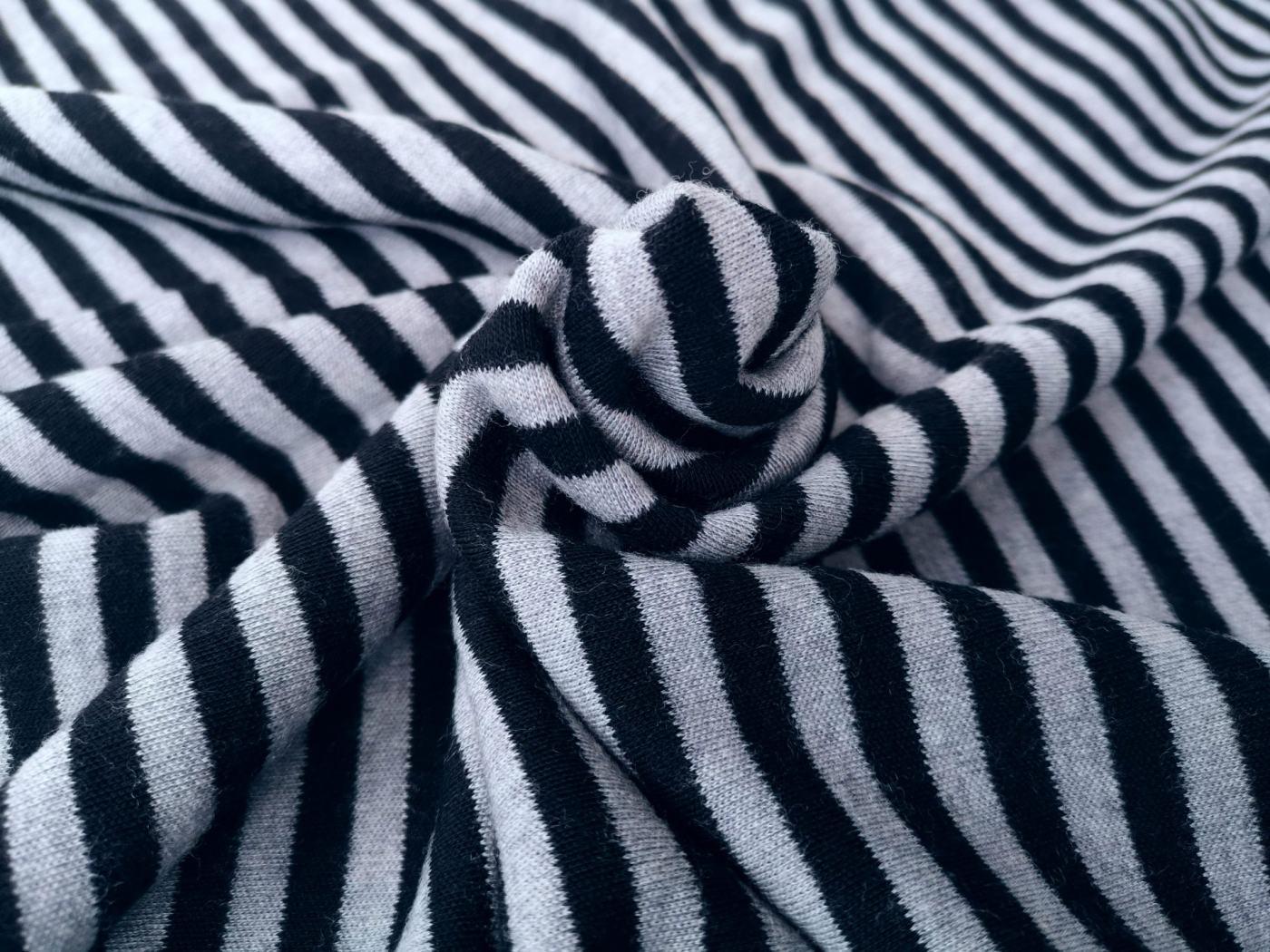 grau schwarz Ringel Wolljersey